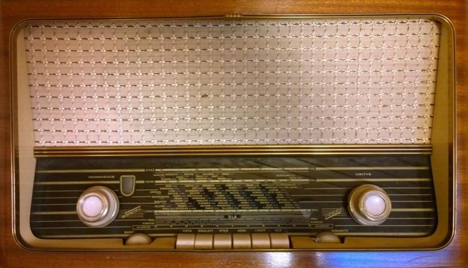 Old Wooden Retro Radio