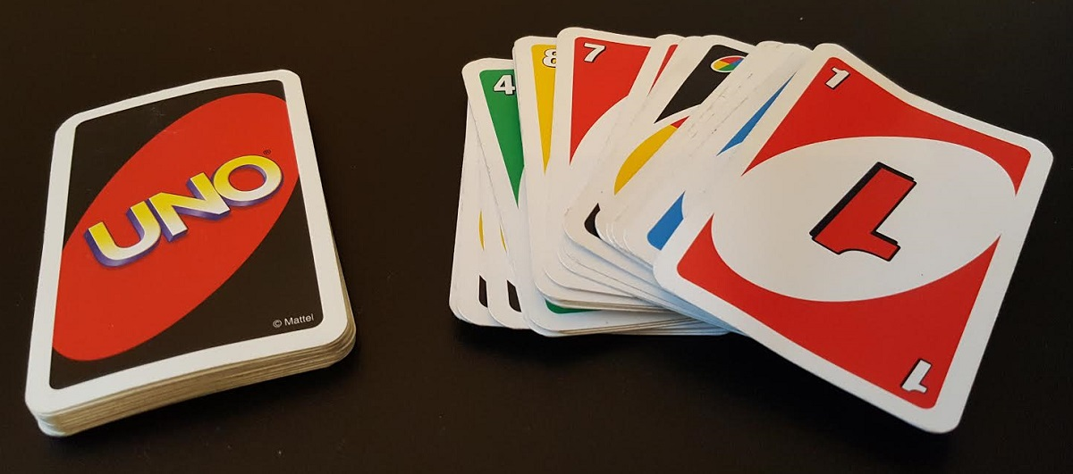 Uno korttipeli ja pakka